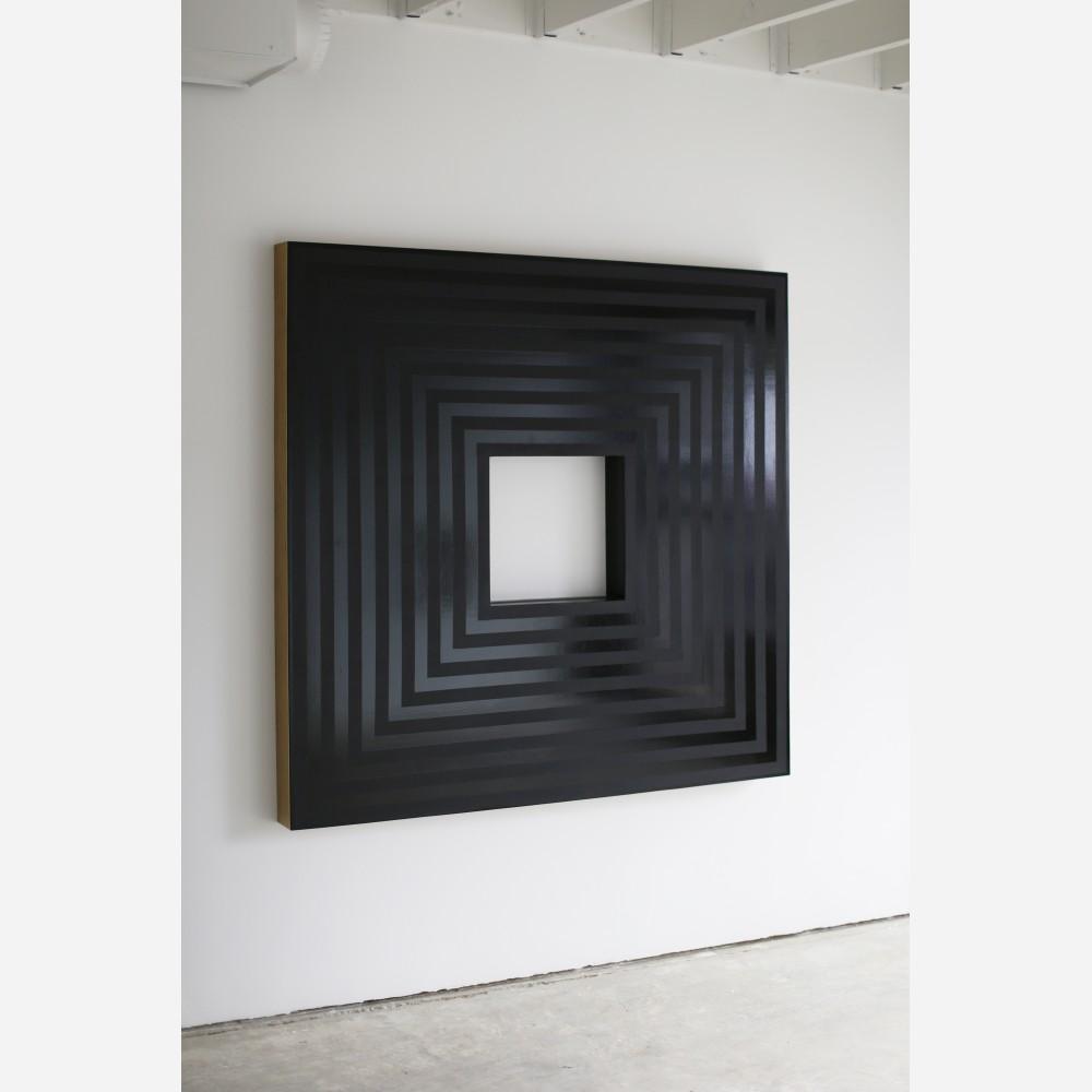 Temple (black)